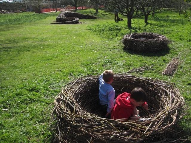 nidos gigantes de mimbre