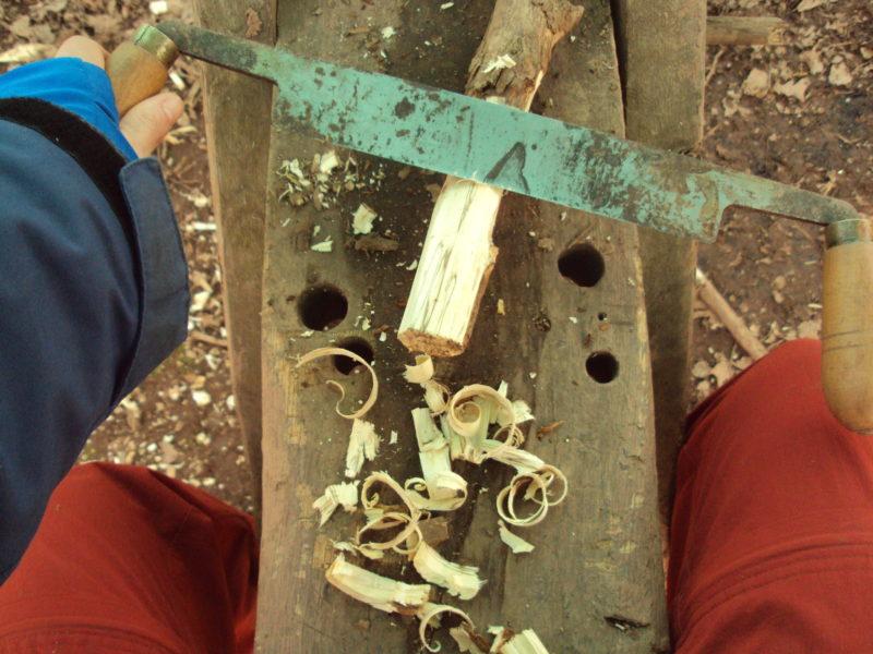bricolaje y carpinteria en la infancia.